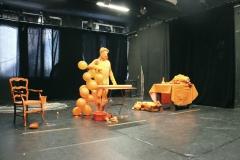 """""""In progress"""", performance du contremaître et sa contremaîtresse (Poisson Pirate Production)"""